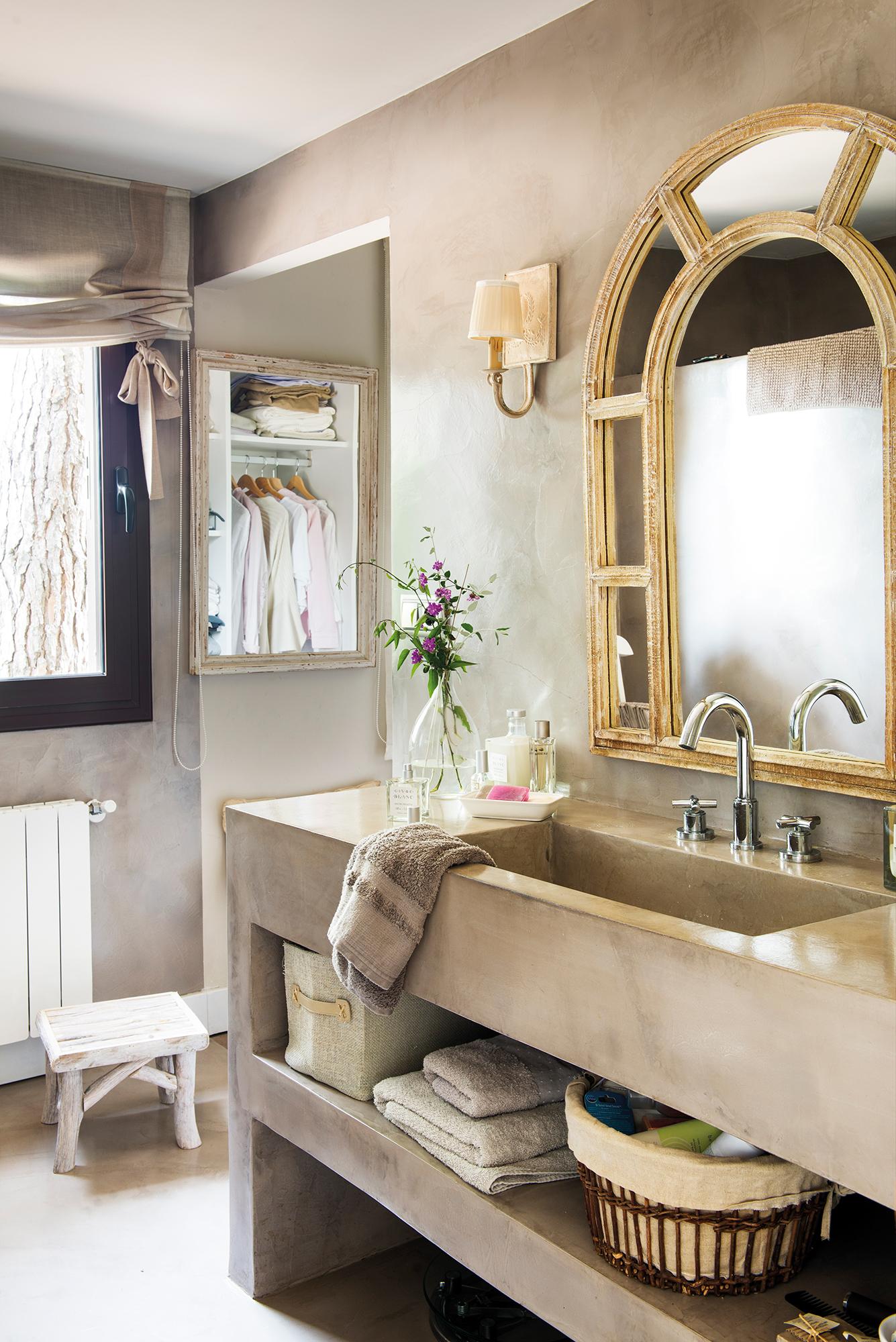 Ba os peque os muy bien decorados - Cenefas para espejos ...