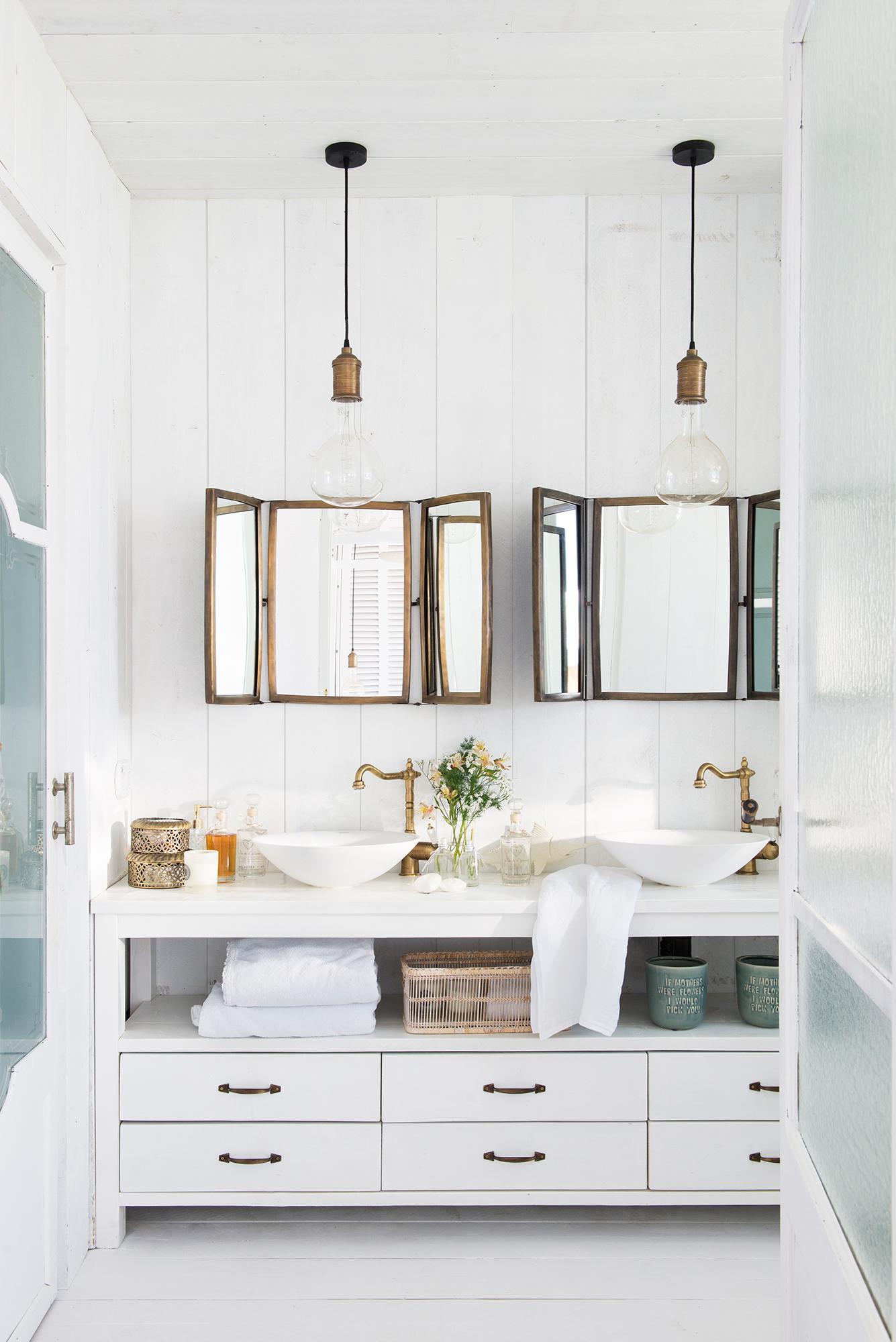 Espejos de ba o 15 dise os de todos los estilos for Cocinas con espejos