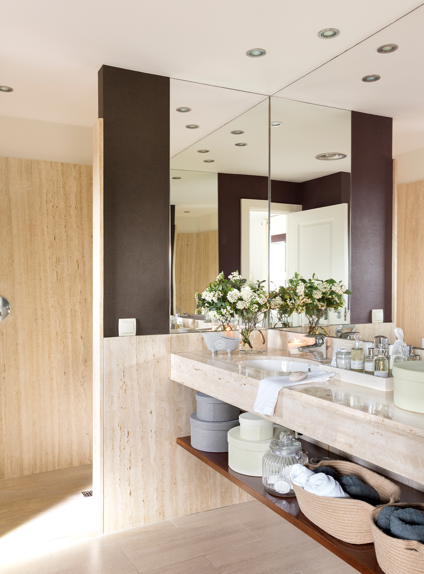 Espejos de ba o 15 dise os de todos los estilos for Espejo pared completa