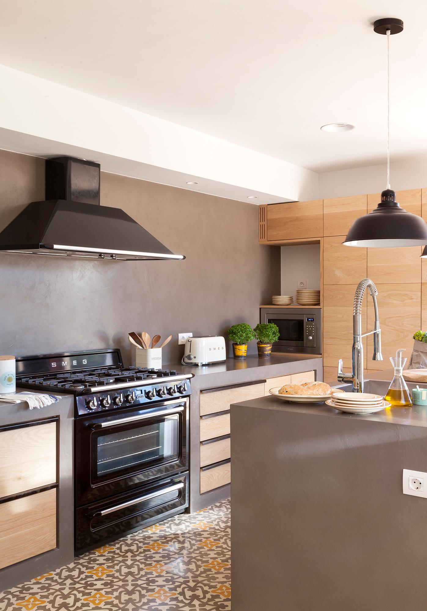 Cocinas muebles decoraci n dise o blancas o peque as for Cocinas con islas en el medio