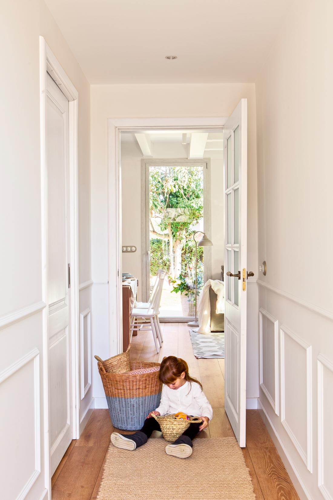 Decora tu casa con molduras y z calos - Alfombras de pasillo modernas ...