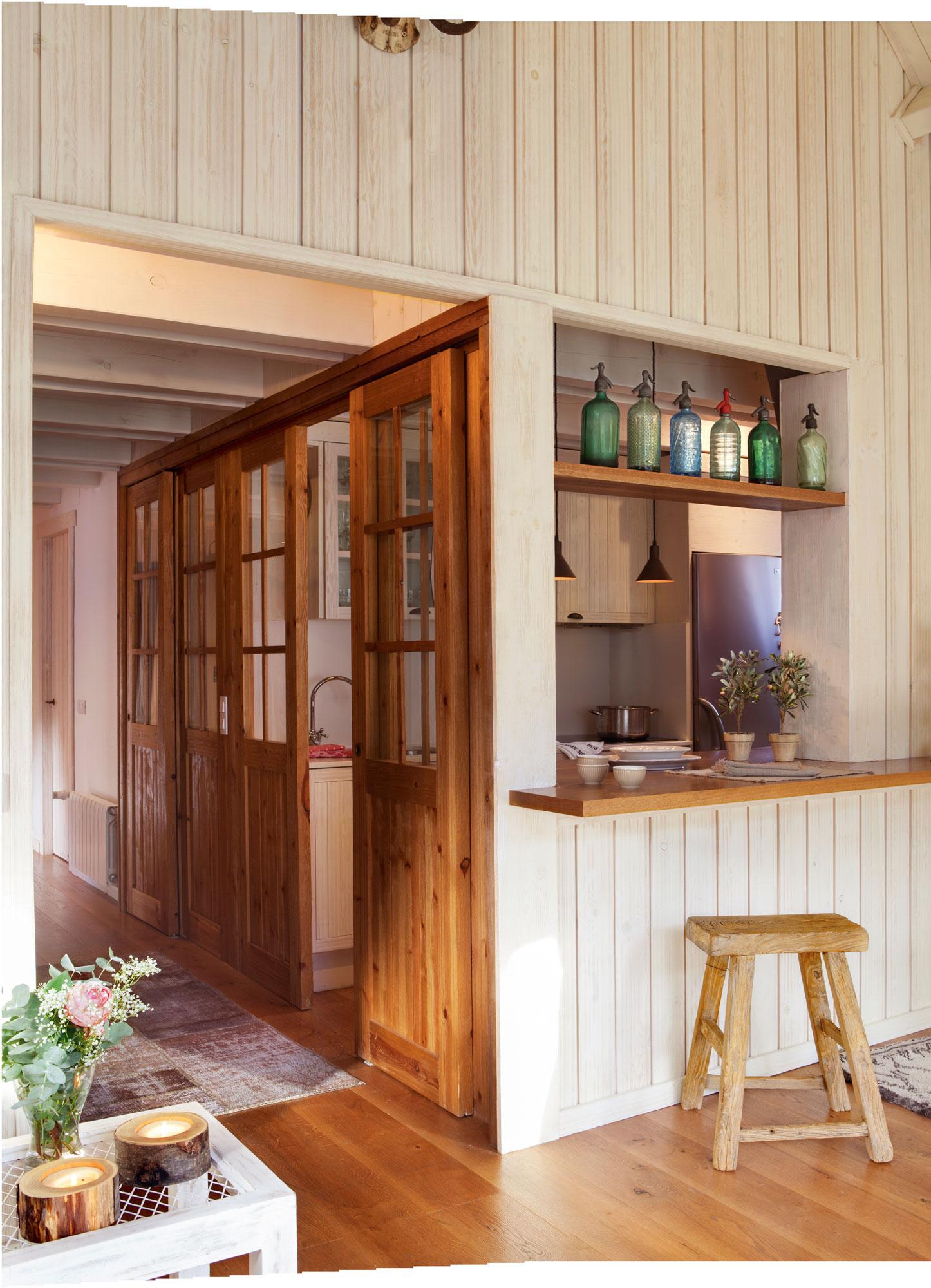 Peque as reformas ventajas de abrir un pasaplatos en la - Pasaplatos cocina ...