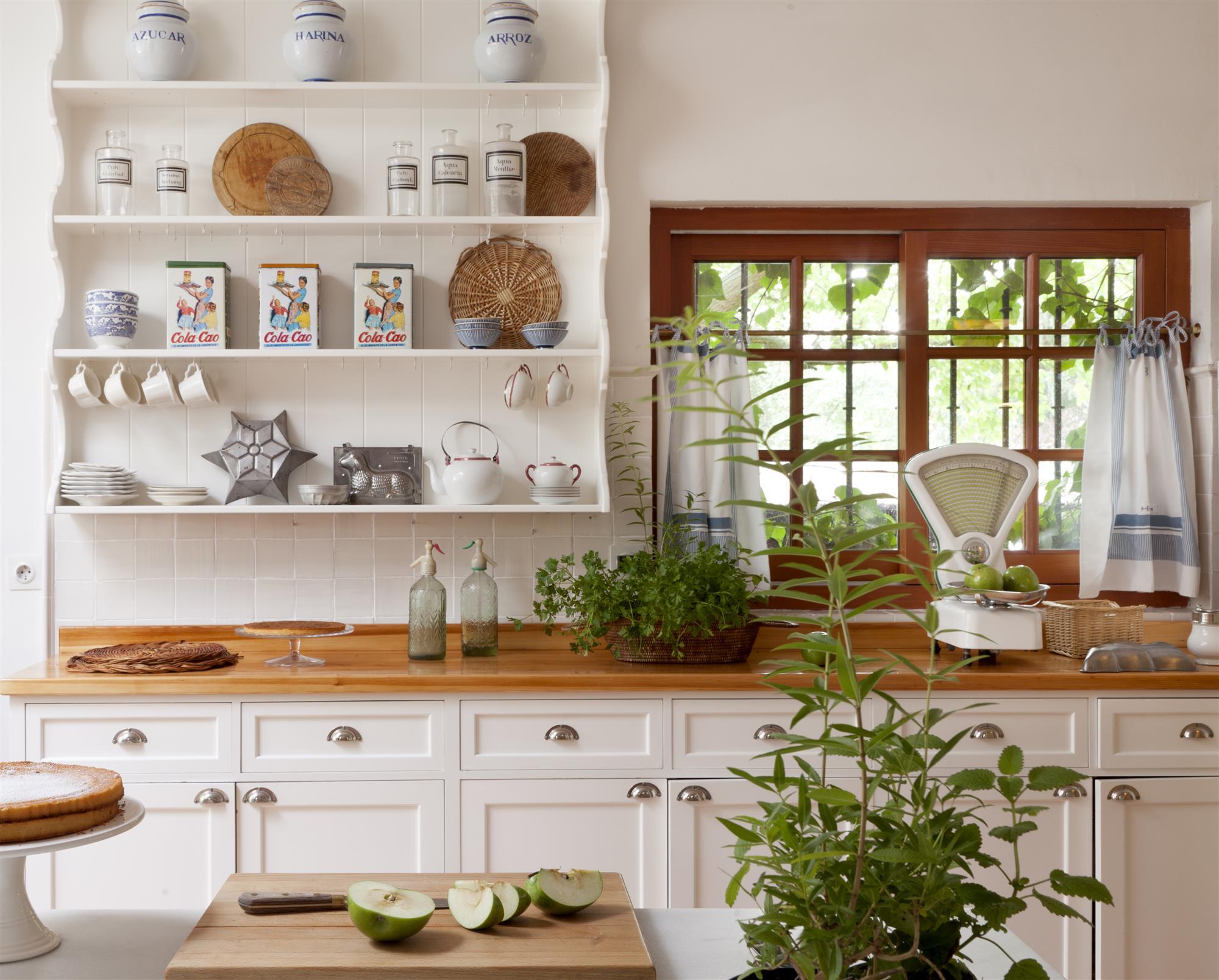 C mo arreglar la casa en cinco minutos ante una visita - Mesas cocina vintage ...