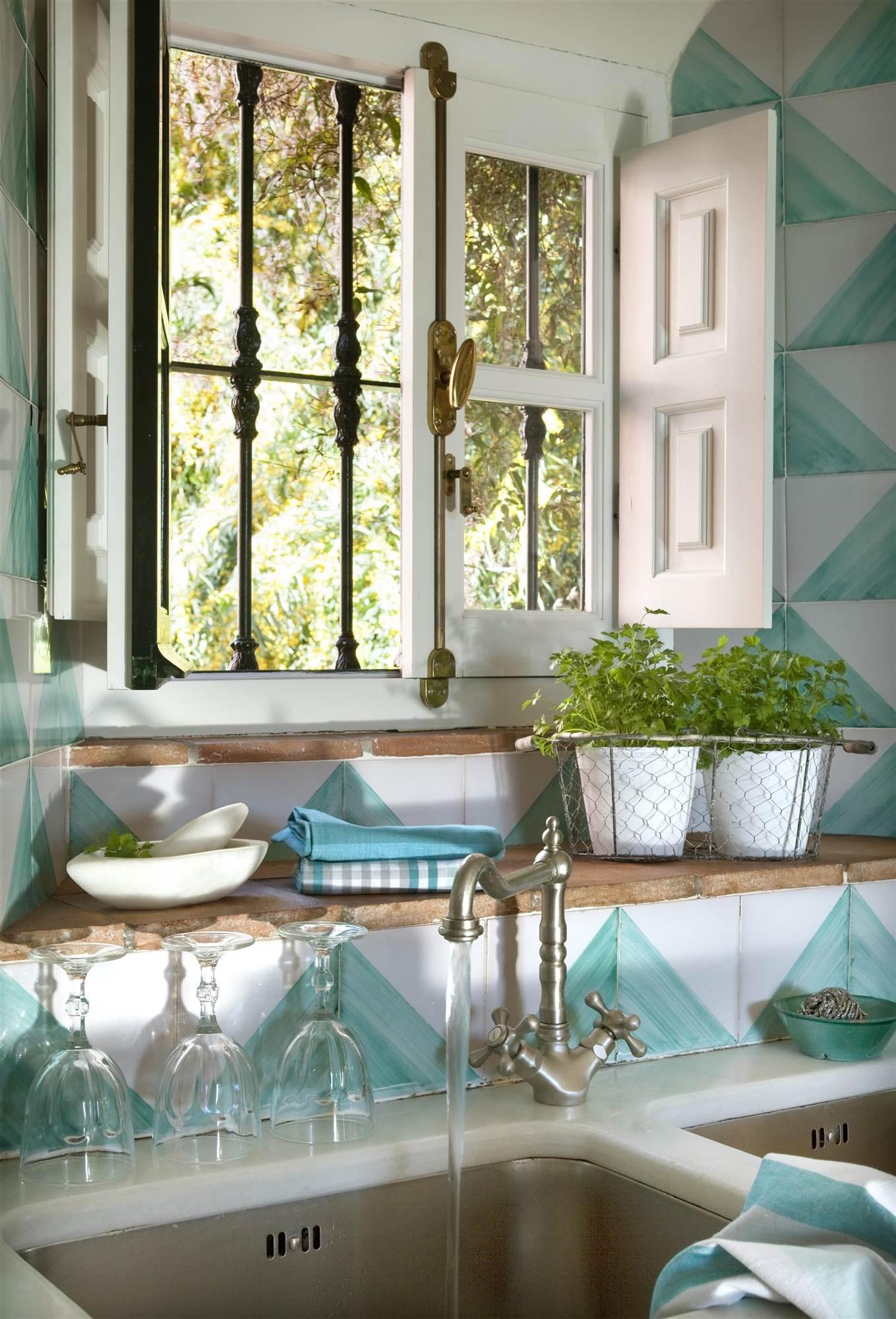 Cocinas muebles decoraci n dise o blancas o peque as for Alternativa azulejos cocina