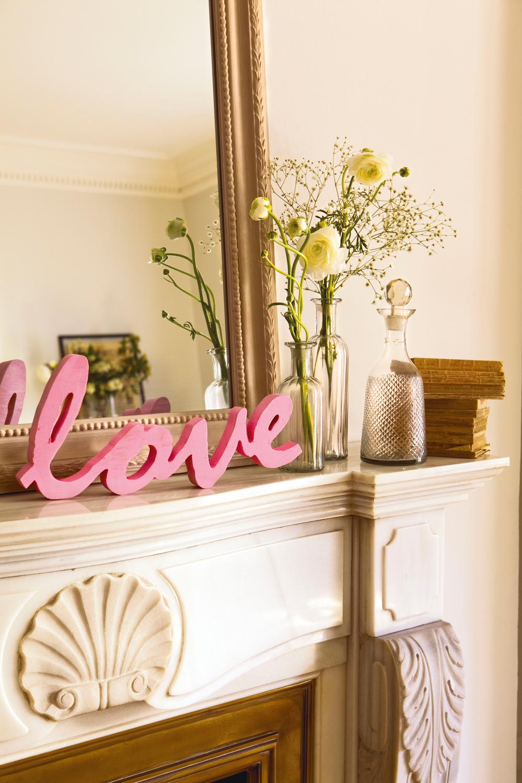 Decorar una chimenea trendy hermosas salas con chimeneas - Chimeneas para decorar ...