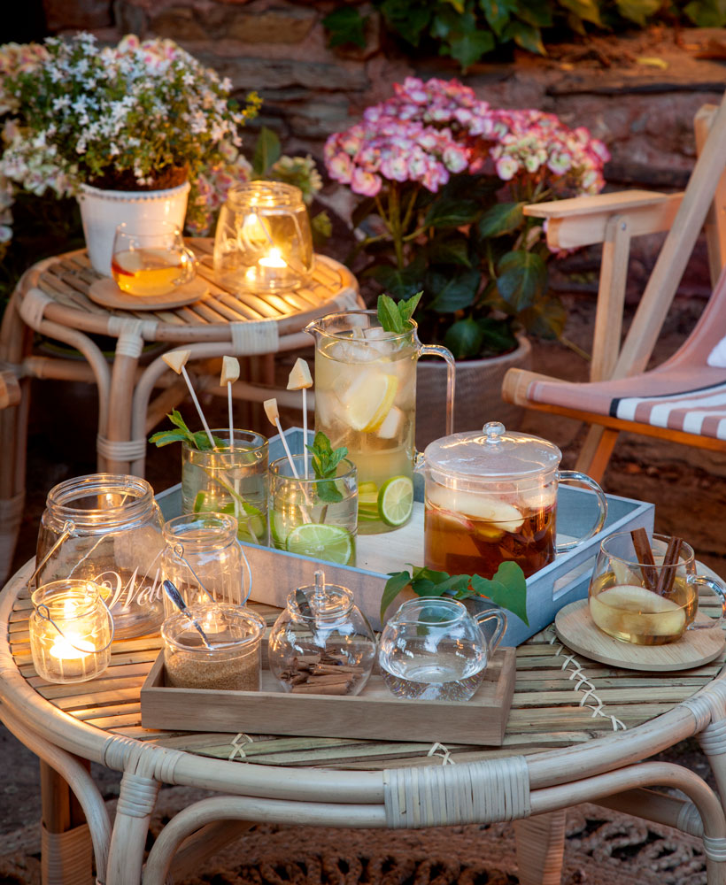 Terrazas muebles mesas e ideas para tu terraza el mueble for Mesas para terraza
