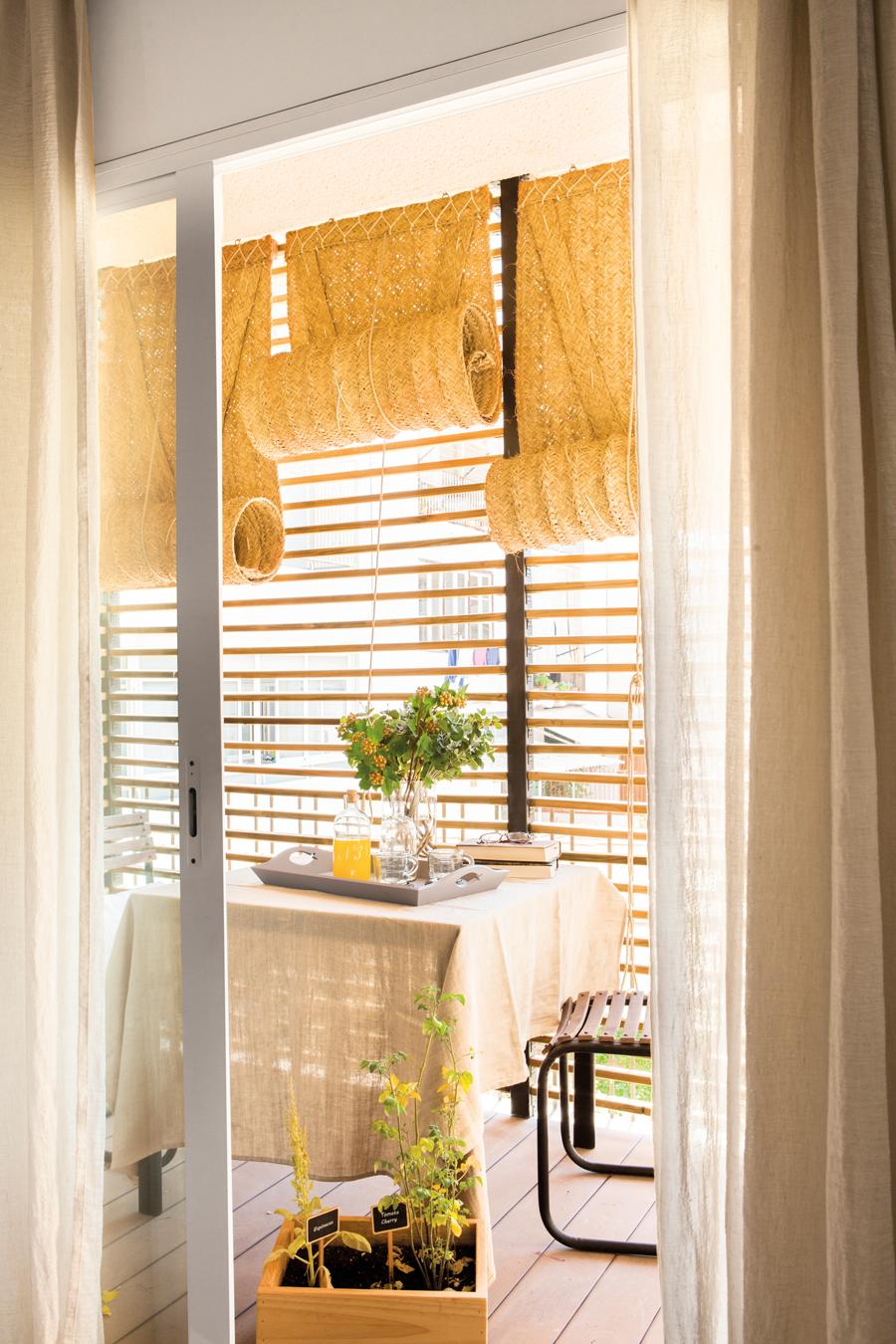 Armarios de aluminio para balcones great con tablero for Armario para balcon exterior