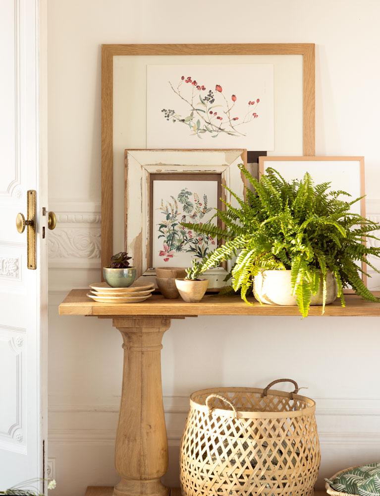 Decora tu piso de alquiler empieza por el recibidor for Mueble recibidor madera