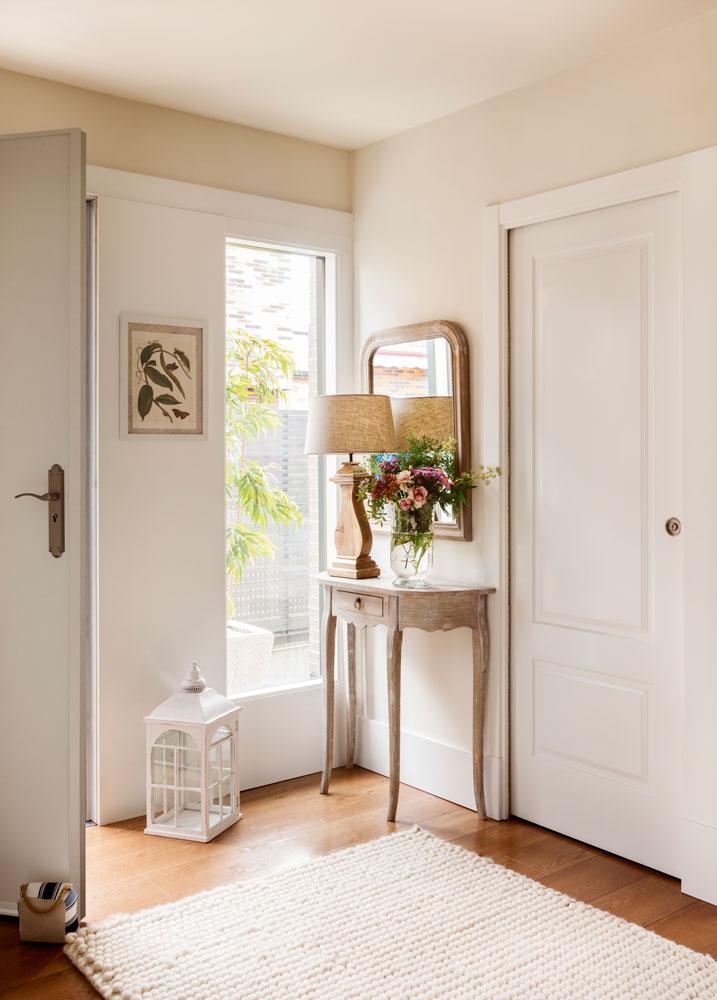 Decora tu piso de alquiler empieza por el recibidor - Puertas comedor ...