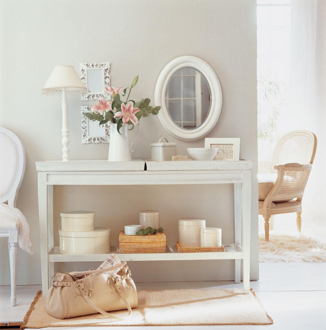 Decora tu piso de alquiler empieza por el recibidor - Lamparas para espejos ...