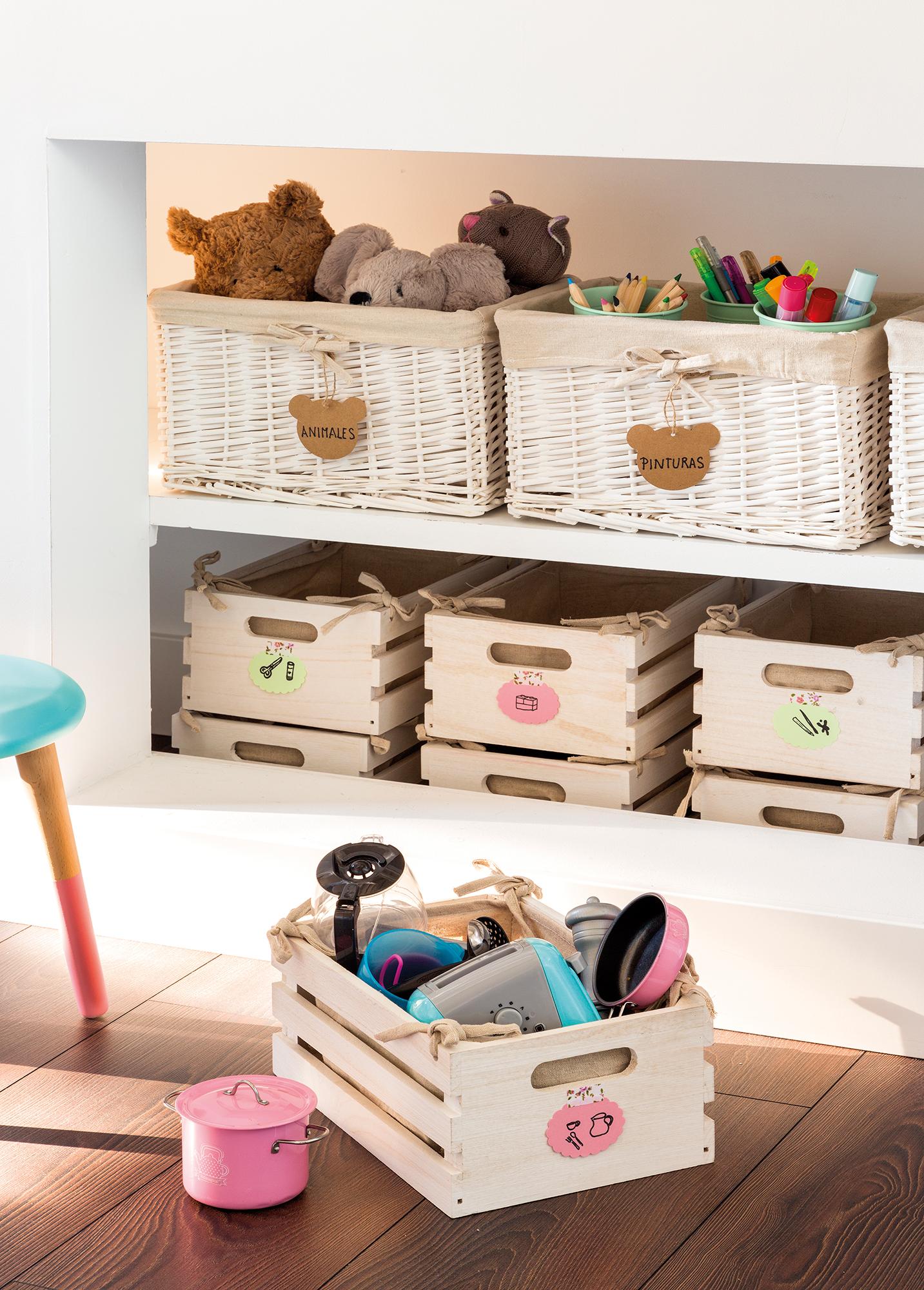 M s de 15 ideas diy con cajas de madera for Cajas para guardar ropa armario