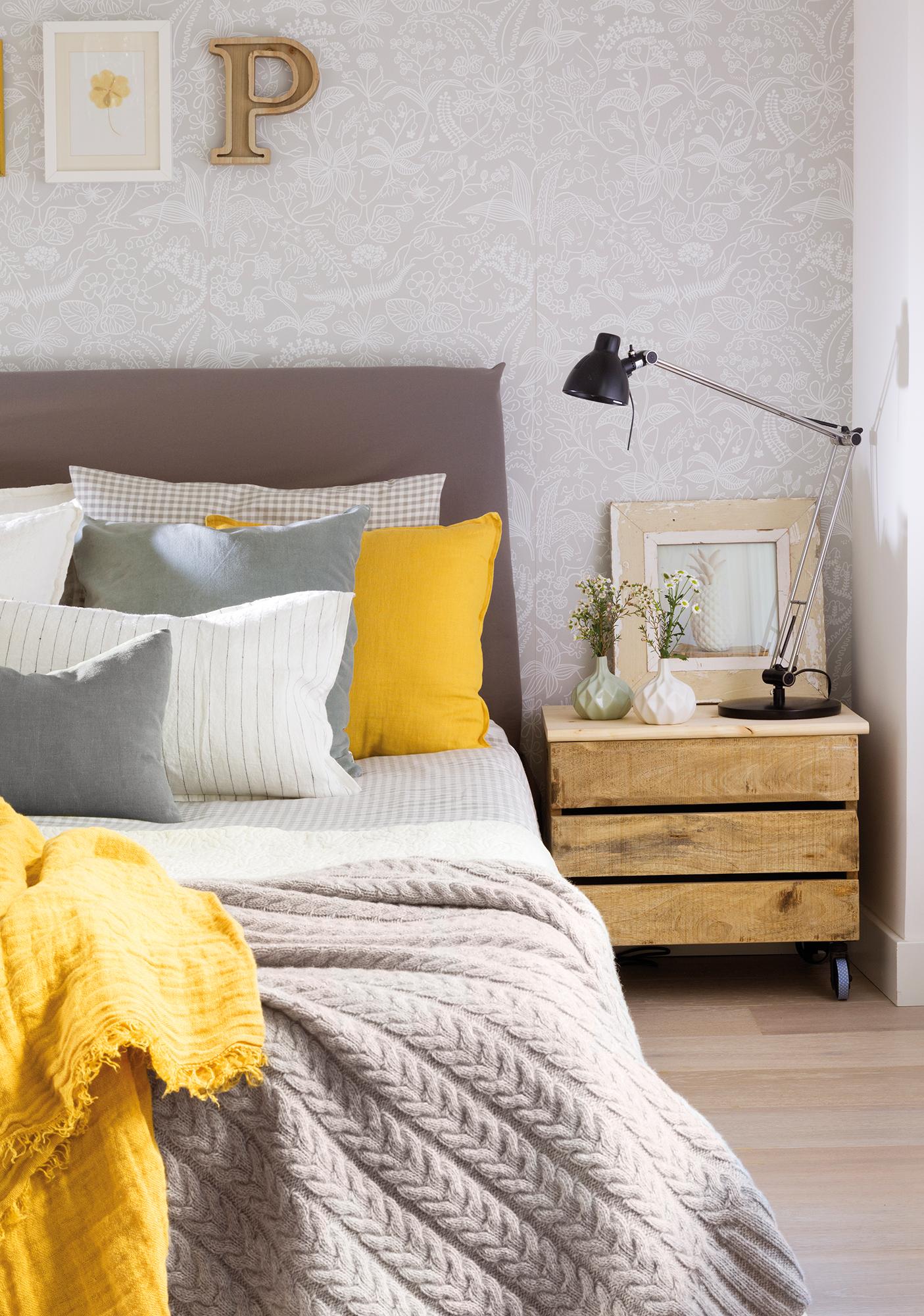 Cabeceros de cama de madera r sticos decorados o - Cojines para cabeceros ...