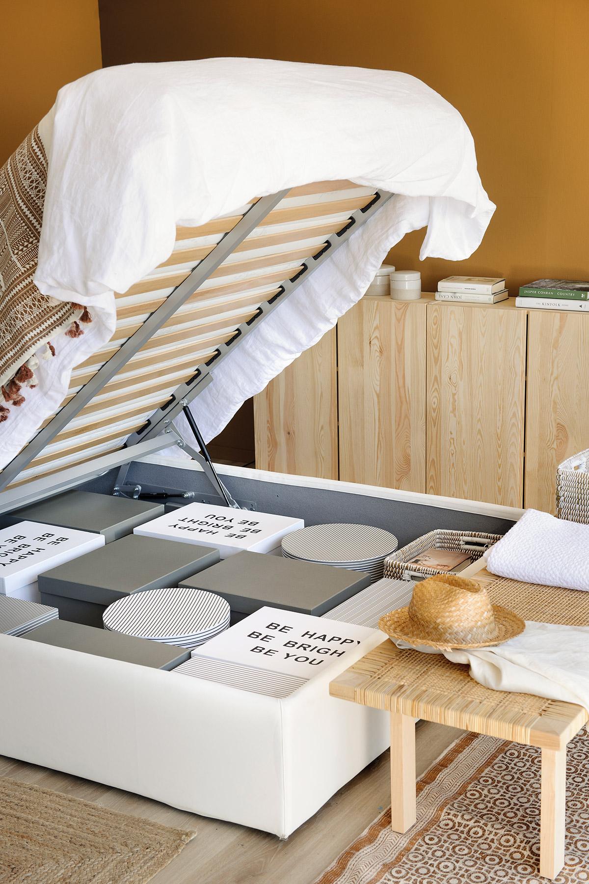 Ideas para aprovechar al m ximo el espacio de un piso peque o for Mueble cama doble