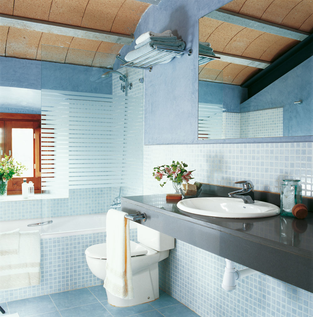 Azulejos de colores para baos interesting azulejos for Azulejos color azul