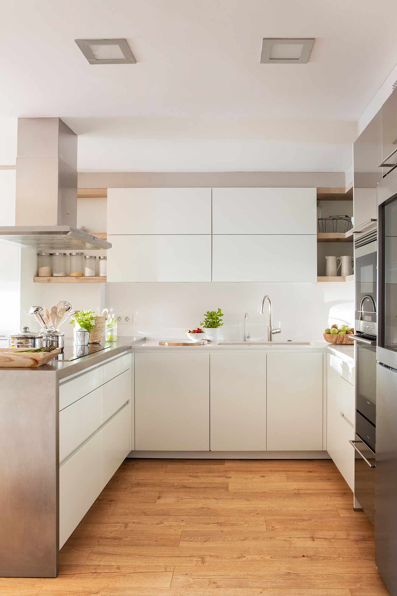 Cocinas muebles decoraci n dise o blancas o peque as for Muebles de cocina blancos