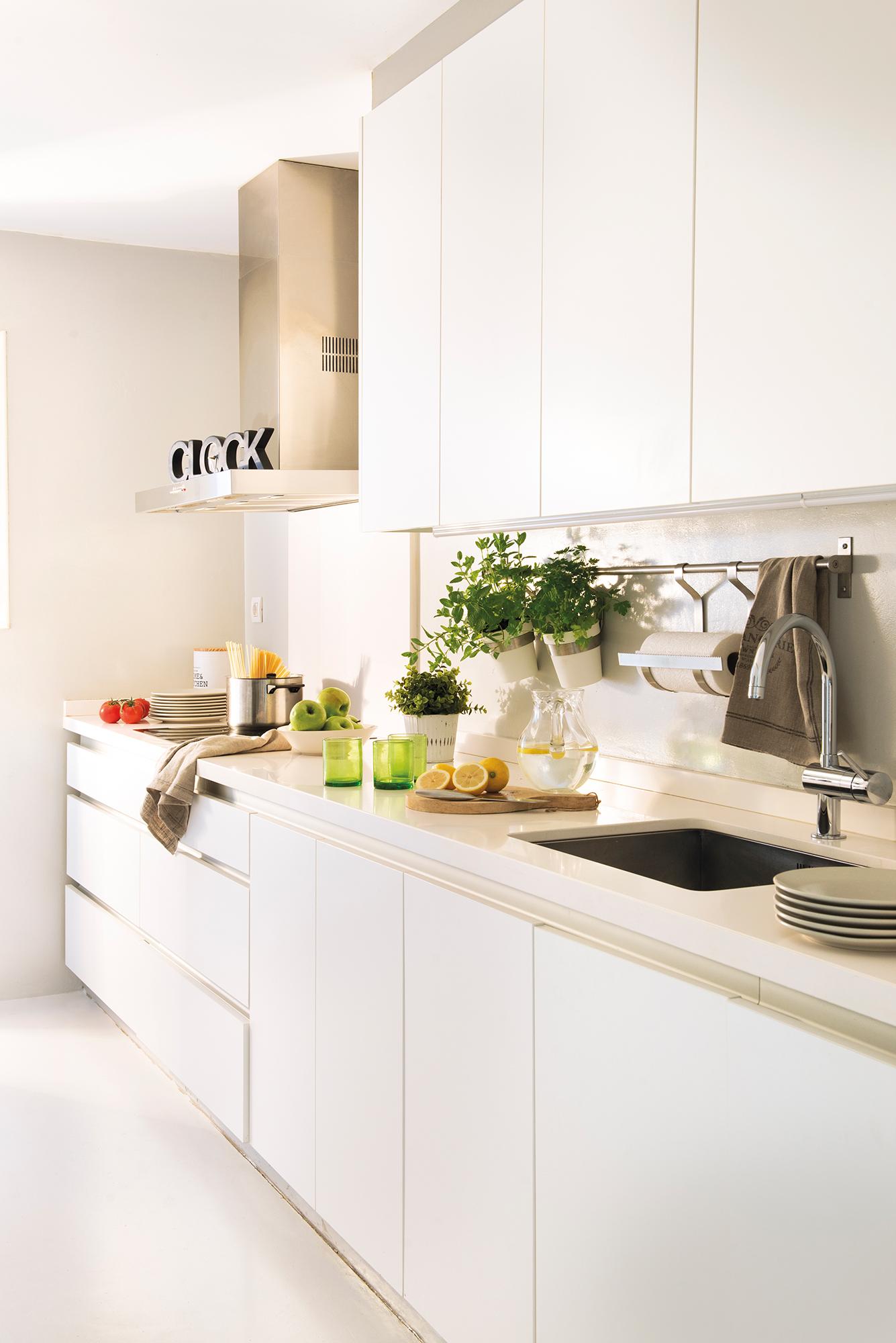 Muebles de cocina elmueble for Halogenos para cocina