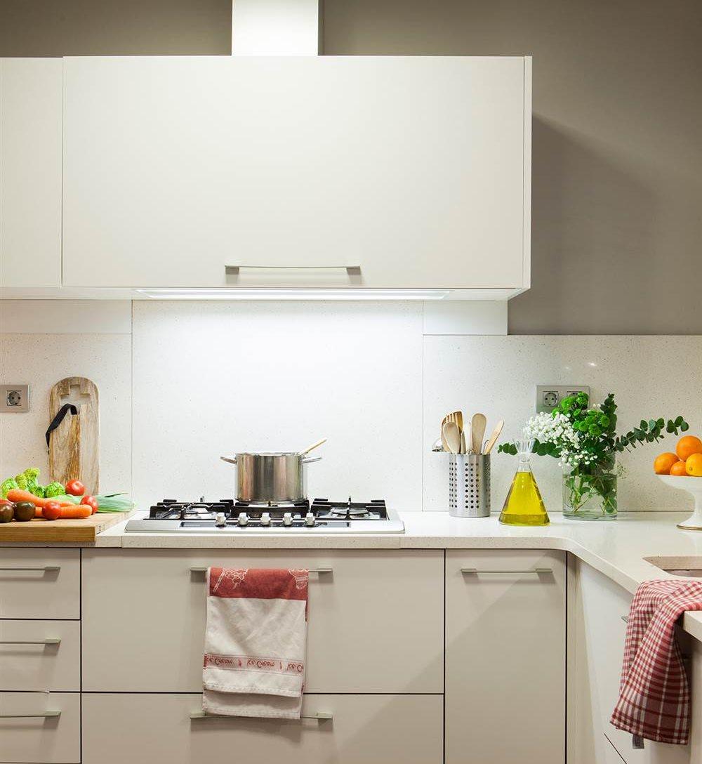 Luces para muebles de cocina latest estante vidrio led - Luces para muebles de cocina ...