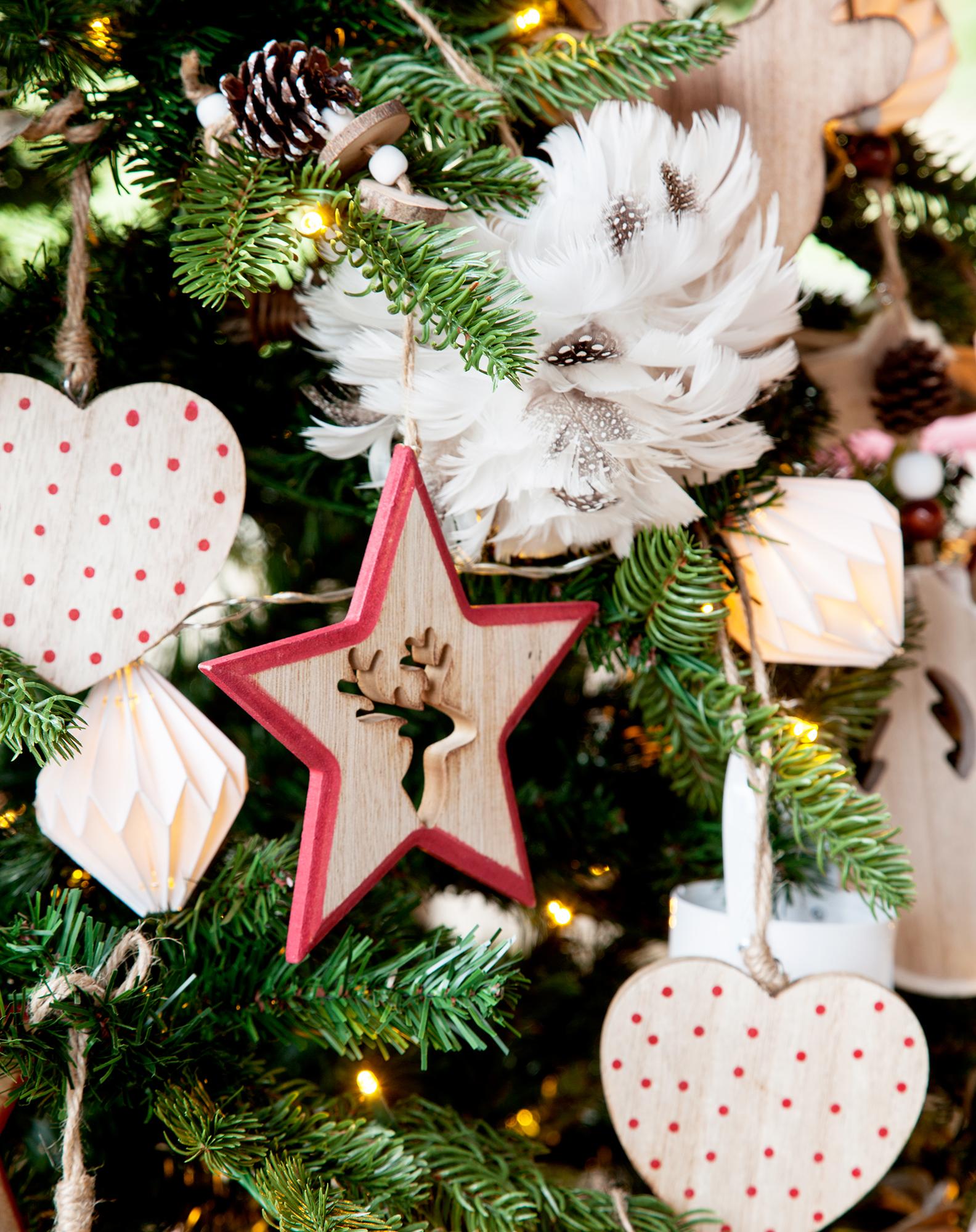 Como Decorar Una Estrella De Navidad Para Ninos.Ideas Para El Arbol De Navidad Se Llevan Los Adornos Naturales