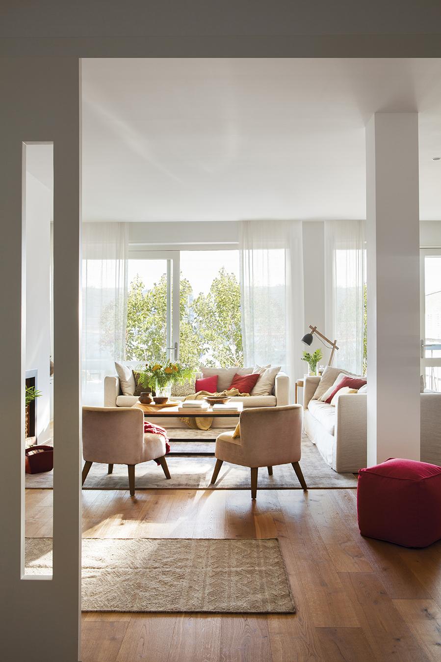 Claves para elegir el suelo de madera m s adecuado for Suelo marmol rojo