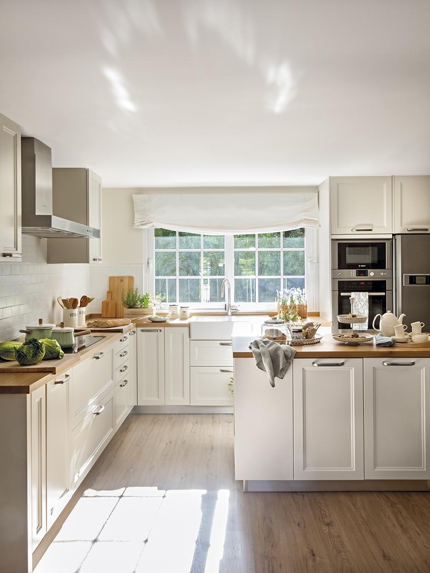 705 fotos de muebles de cocina for Cocinas empapeladas