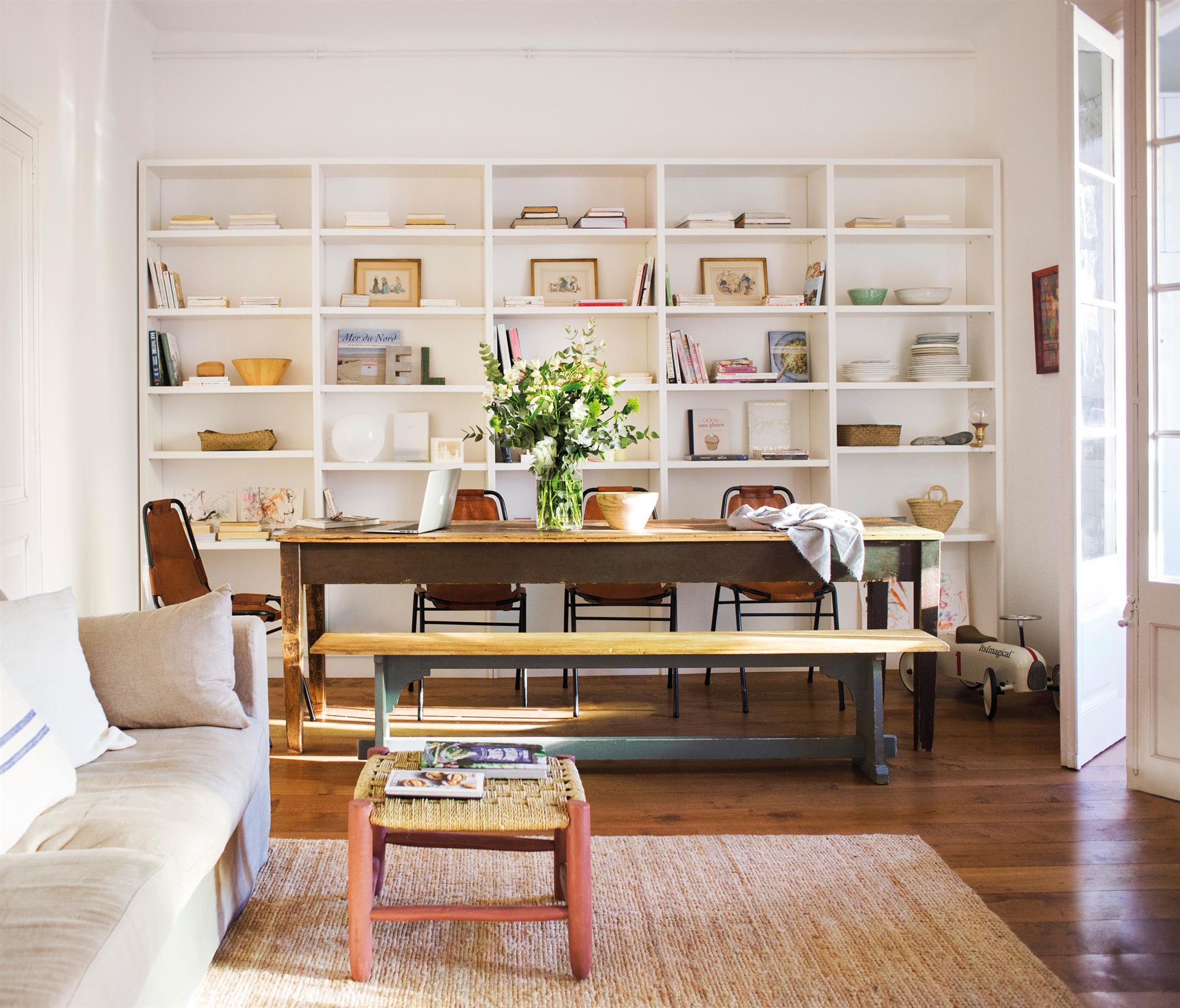 Salones muebles para la decoraci n del sal n comedor el - Mesas de libro para salon ...