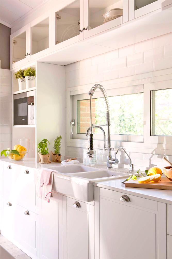 Cocinas Pequenas Con Muebles Blancos.7 Ideas Con Las Que Sacarle Mayor Partido A Tu Cocina Pequena