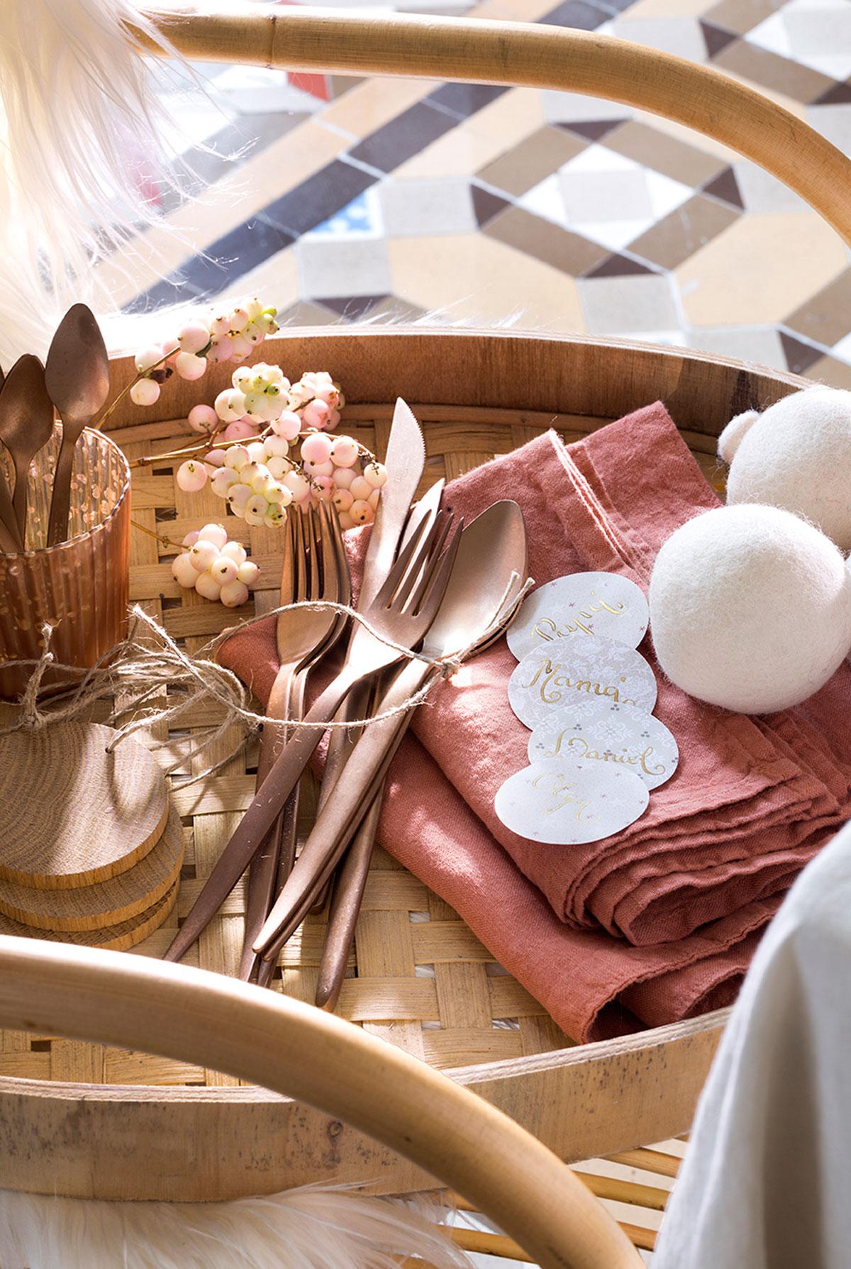 65 fotos de cubiertos for Decoracion de servilletas