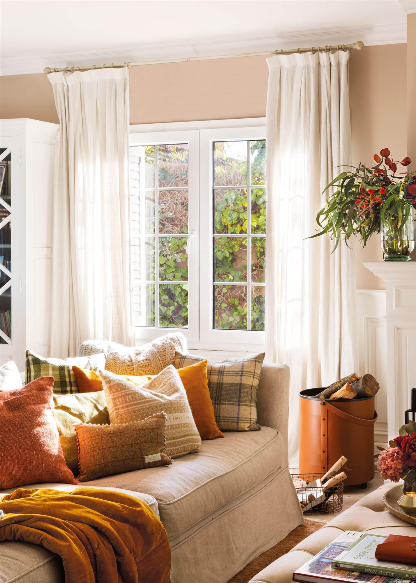 Elige la cortina perfecta para cada tipo de ventana for Tipos de cortinas para salon