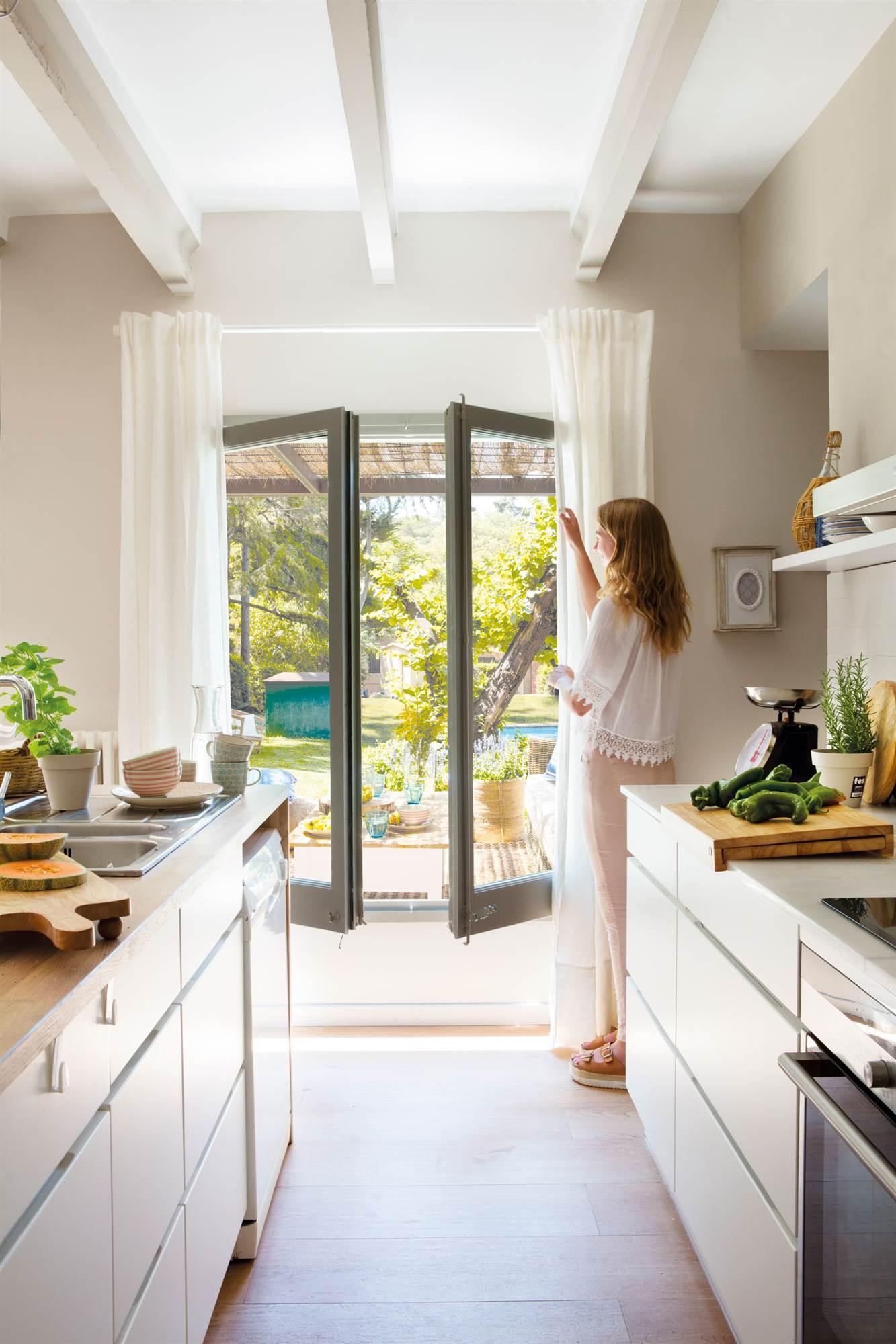 Elige El Tejido Perfecto Para Cada Cortina - Que-cortinas-poner-en-la-cocina