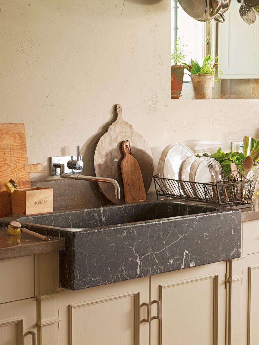 Vajillas de todos los estilos en el mueble - Fregadero de marmol ...