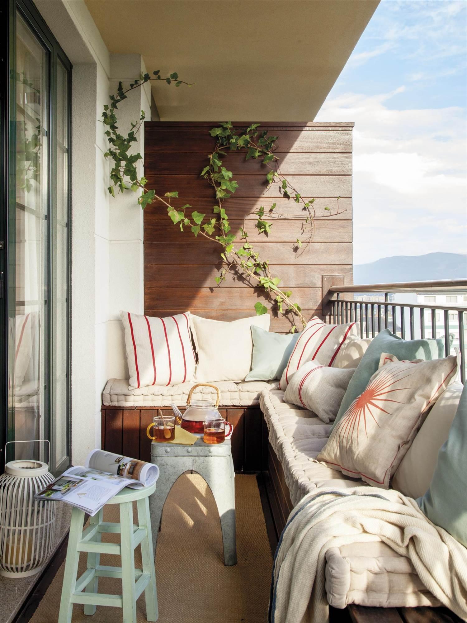 7 Ideas Con Las Que Sacarle Mayor Partido A Tu Terraza Pequena - Banco-terraza