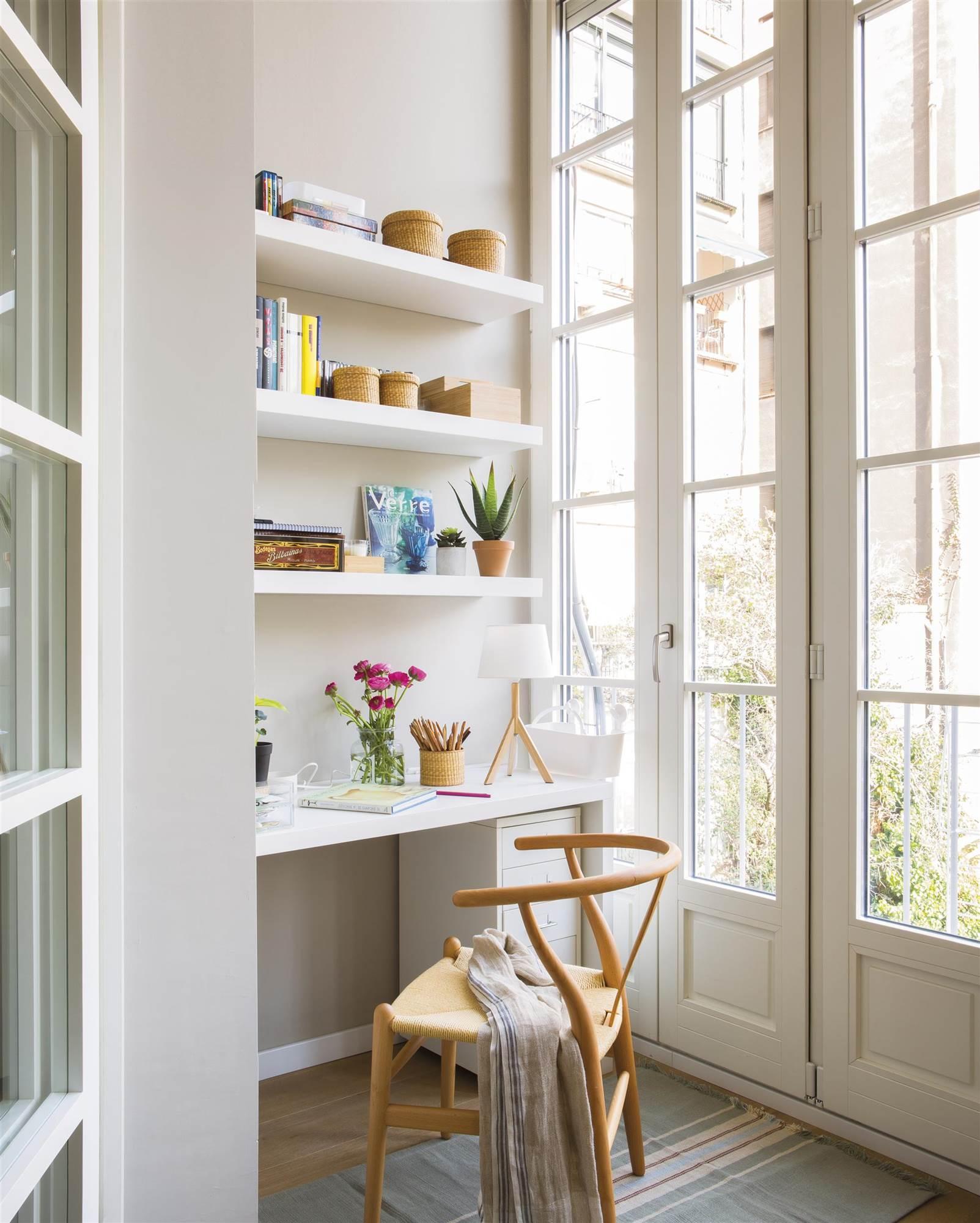 7 muebles y accesorios para decorar un estudio peque o for Como decorar un estudio pequeno