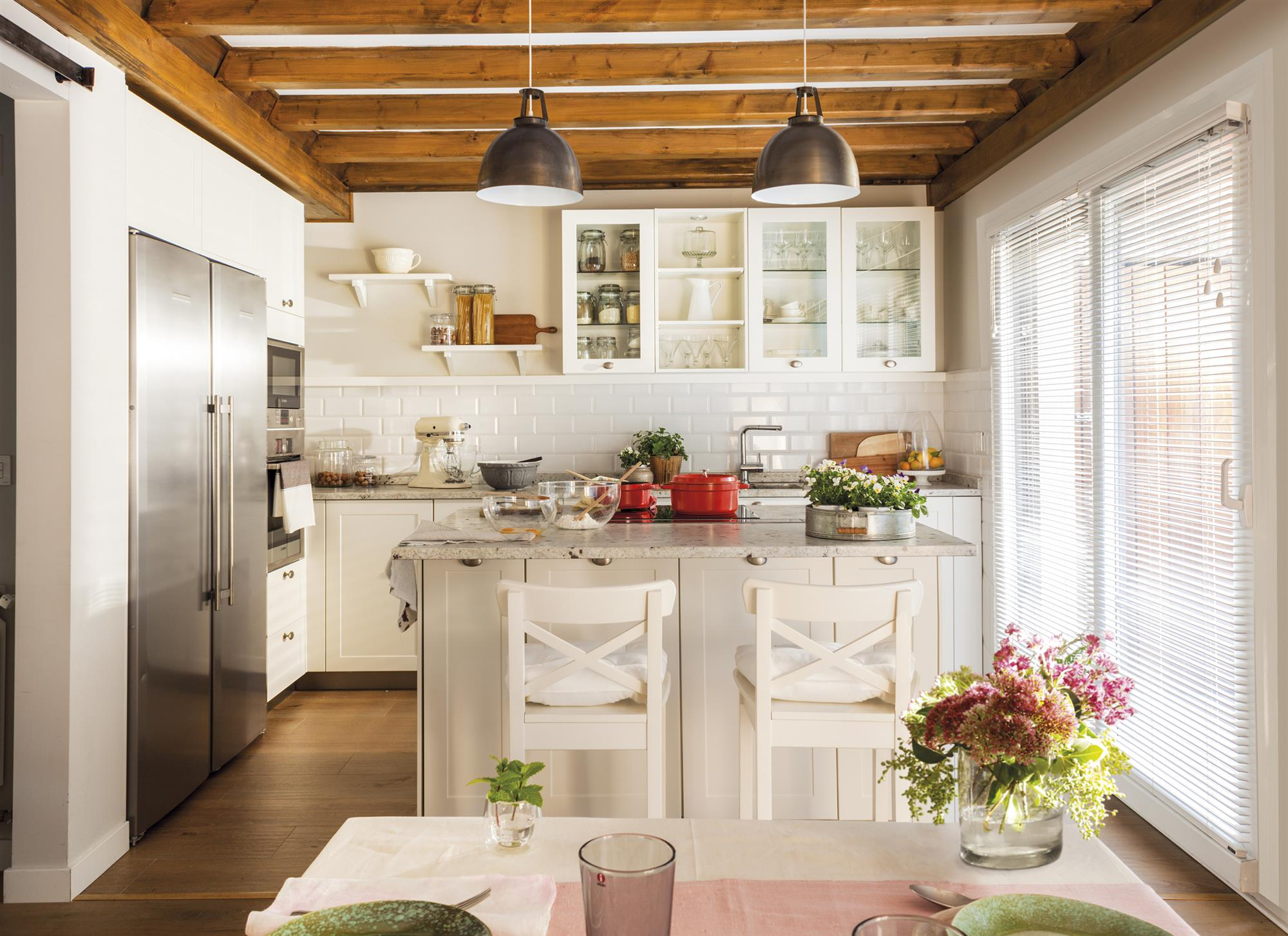 Cocinas muebles decoraci n dise o blancas o peque as for Cocinas campestres pequenas