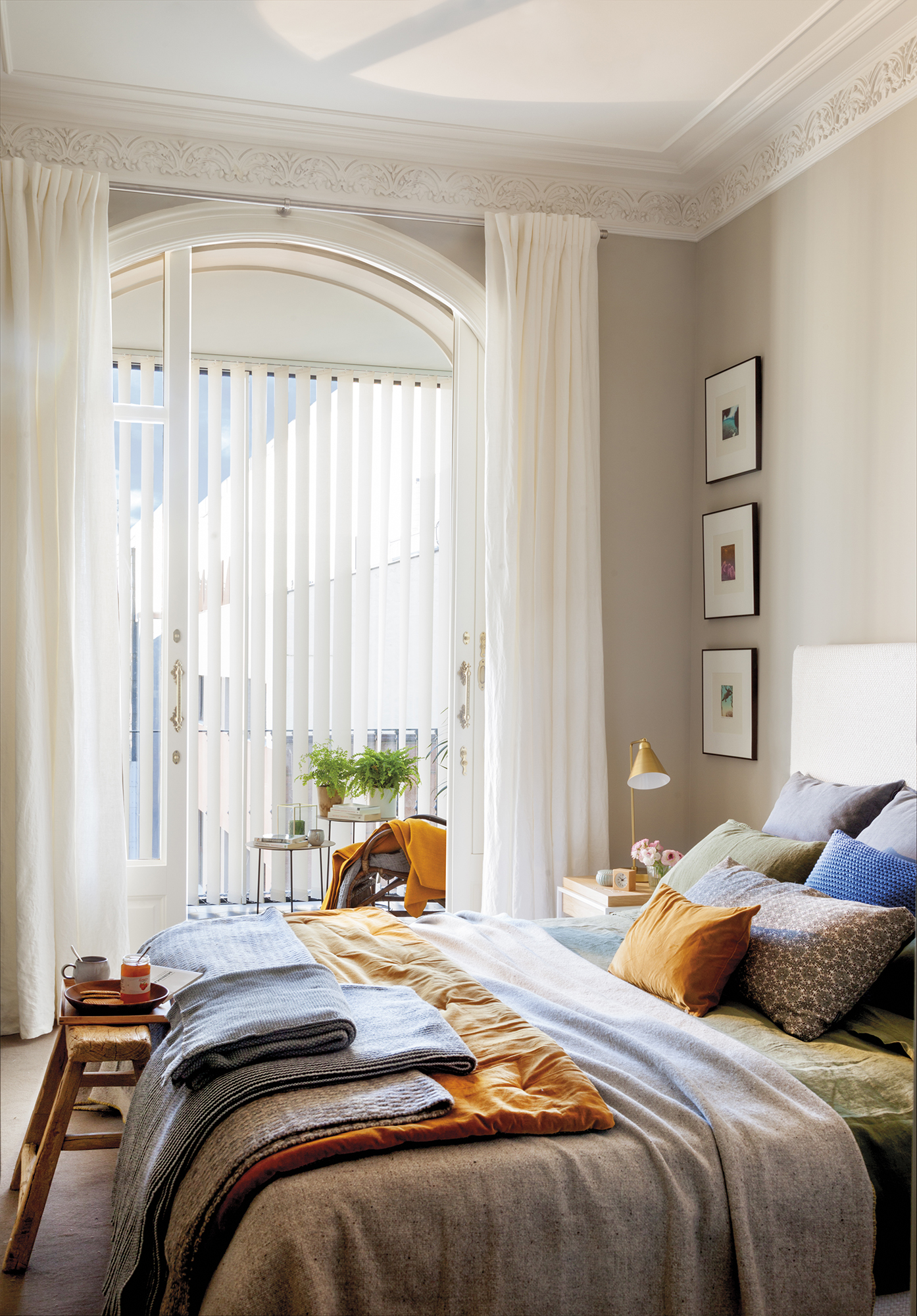 Un piso se orial con m s luz y m s amplio con una reforma - Que cuadros poner en el dormitorio ...