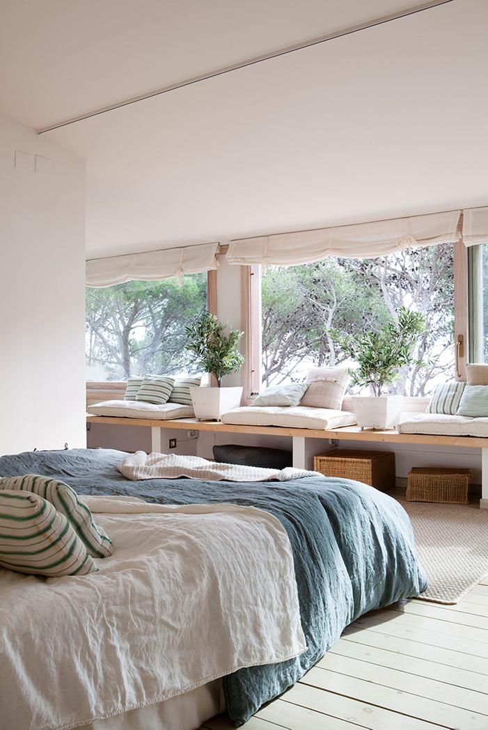 9 ventanas panor micas para disfrutar de la luz y de las for Bajos con jardin en pozuelo