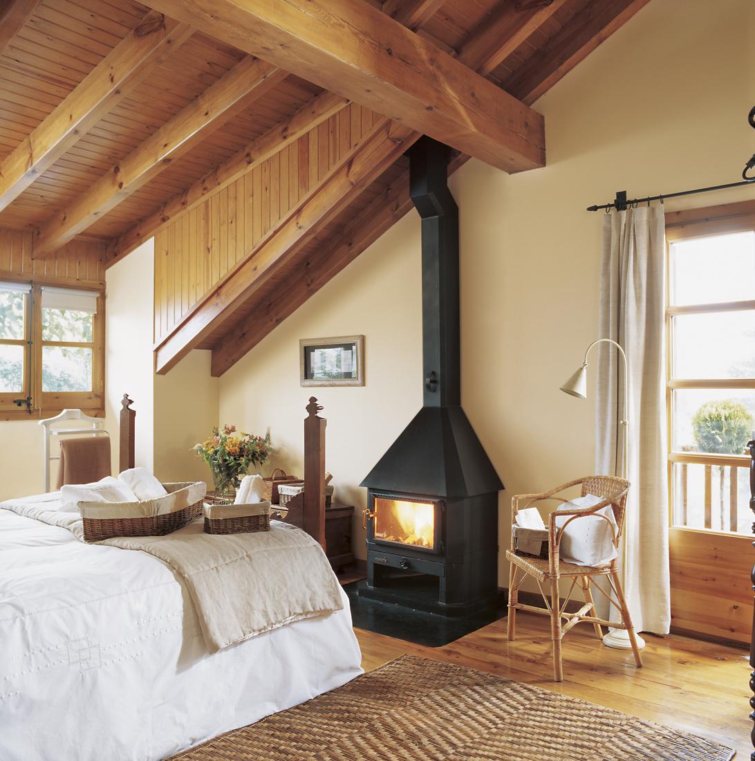 Las estufas de pellets calor limpio sostenible y econ mico - Poner chimenea piso ...