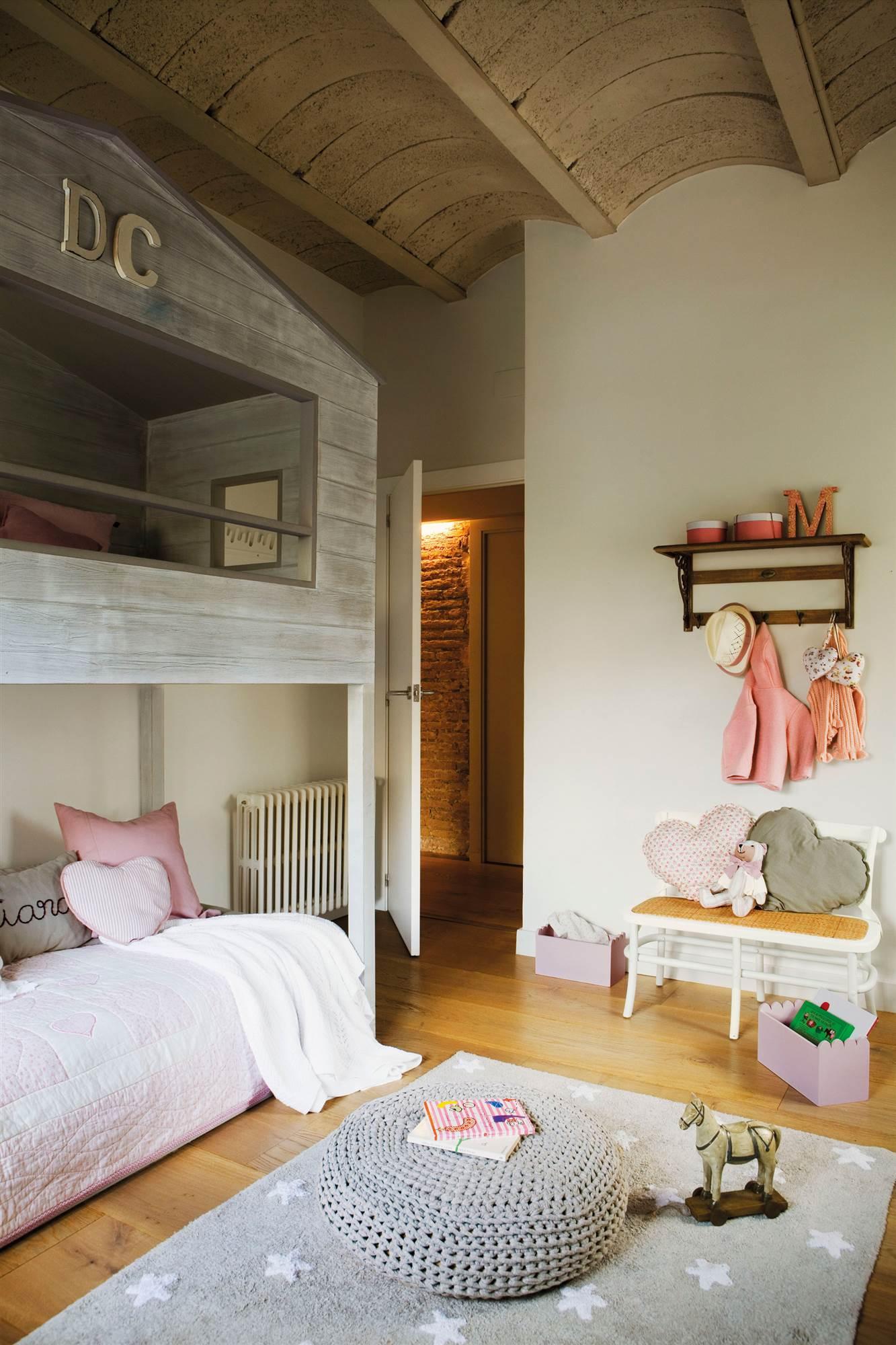 Ni os muebles y decoraci n de habitaciones infantiles - Percheros originales de pared ...