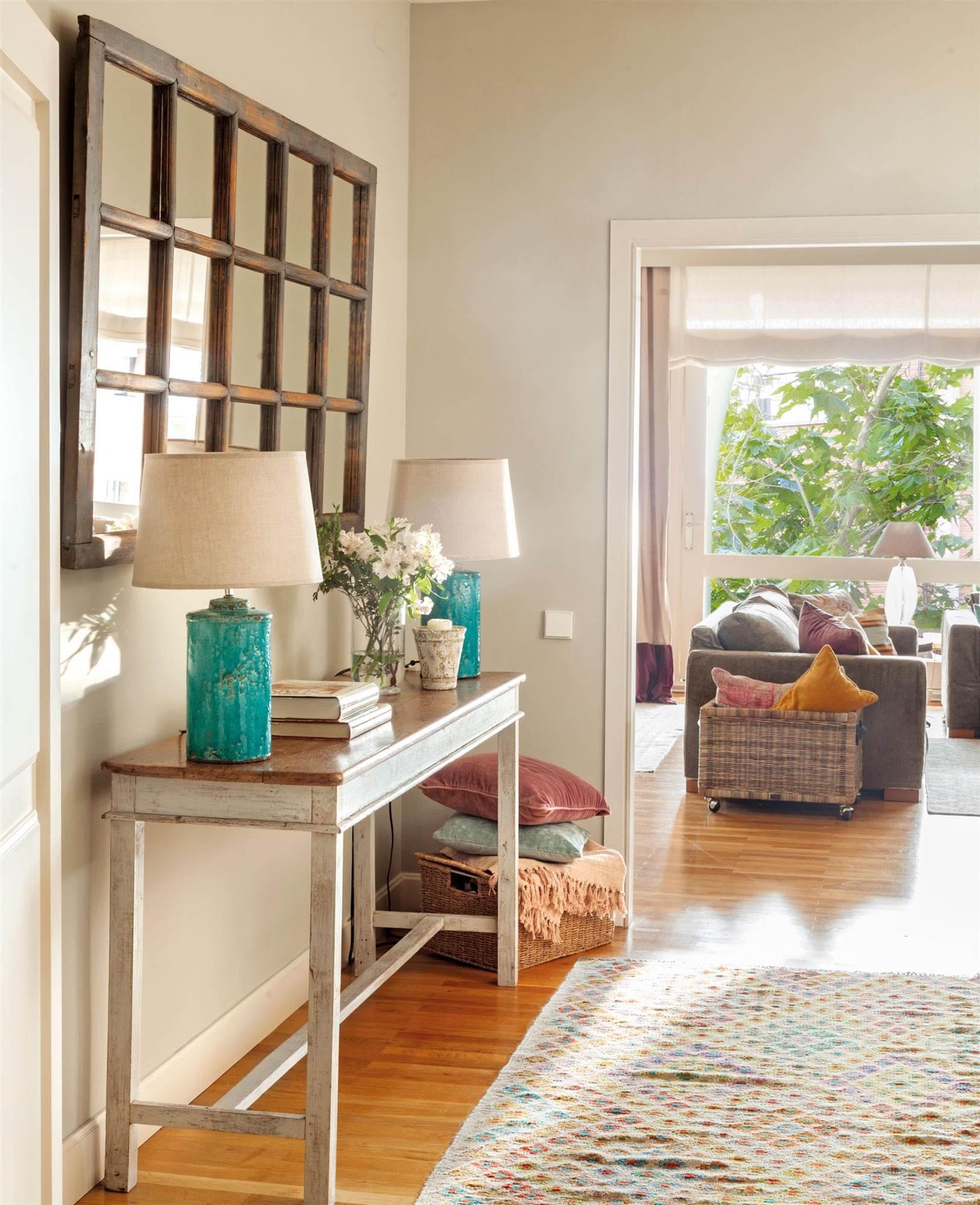 Recibidor muebles zapateros e ideas para recibidores for Espejos de madera decorados