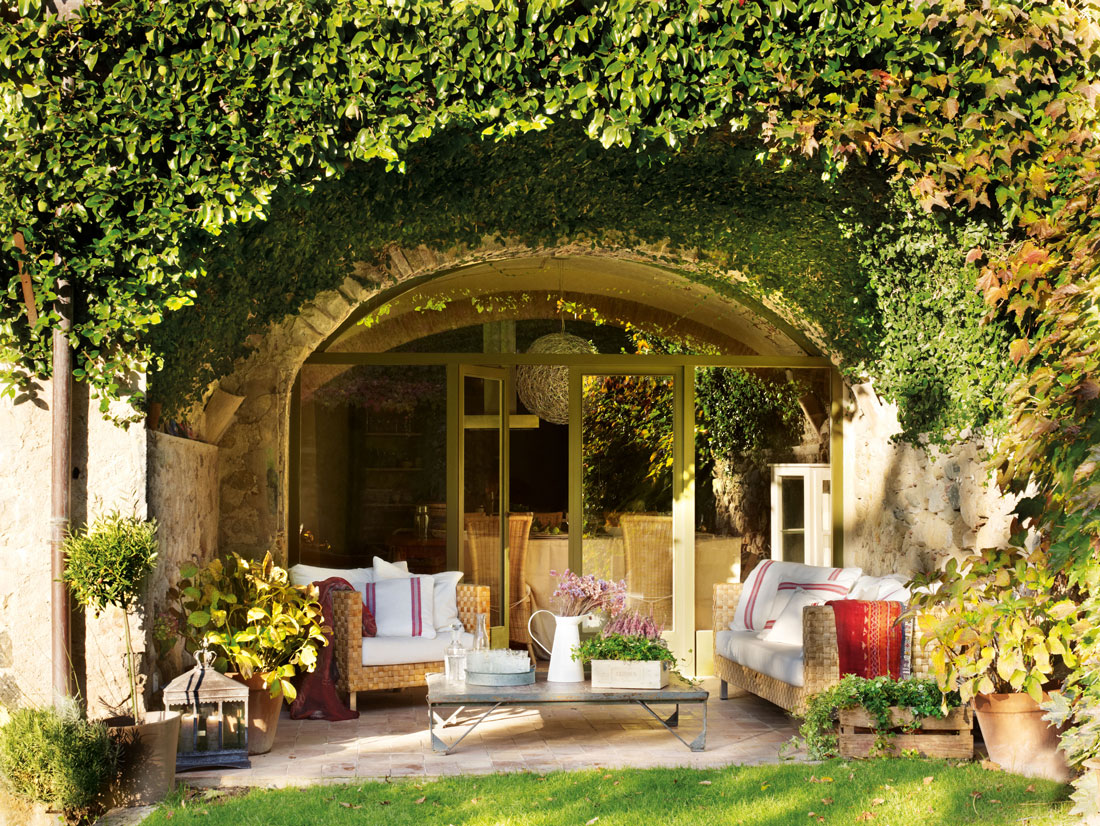 Los 50 mejores porches y terrazas for Jardin al aire libre de madera deco