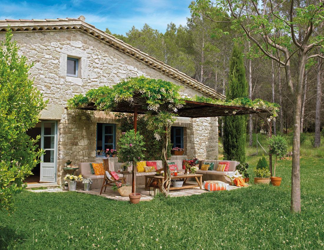 Los 50 jardines m s bonitos de el mueble - Casas y jardines ...