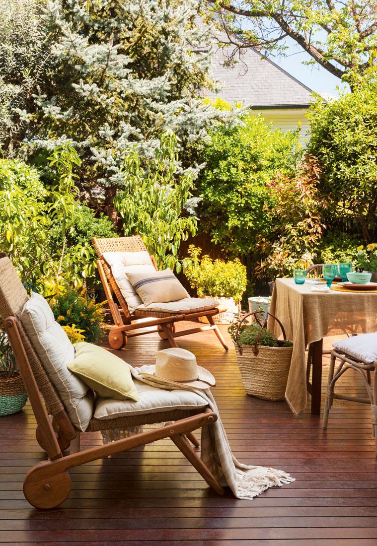 C mo conseguir una terraza perfecta for Tarimas de madera para jardin