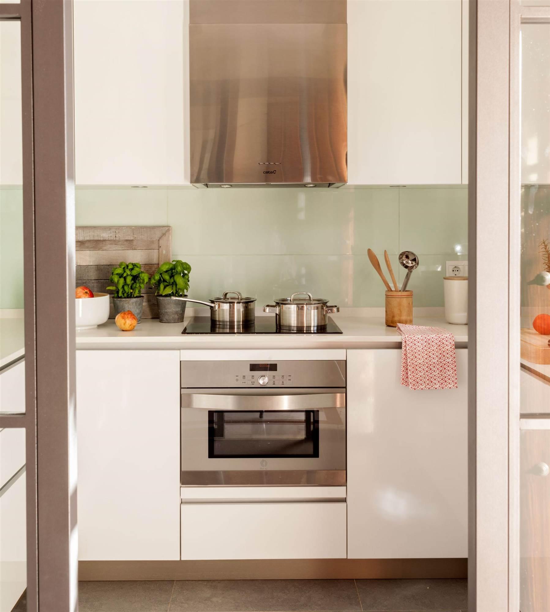 Materiales para el salpicadero de la cocina - Con que limpiar los azulejos de la cocina ...