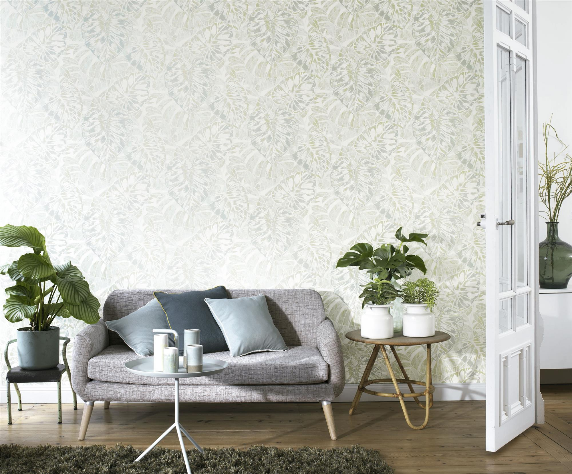 Salones muebles para la decoraci n del sal n comedor el for Papel pintado salon marron