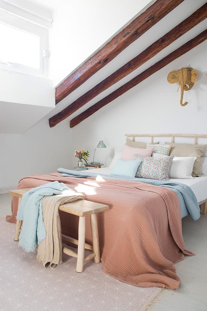 Pantone decora con el color rosa - Pintar un dormitorio ...