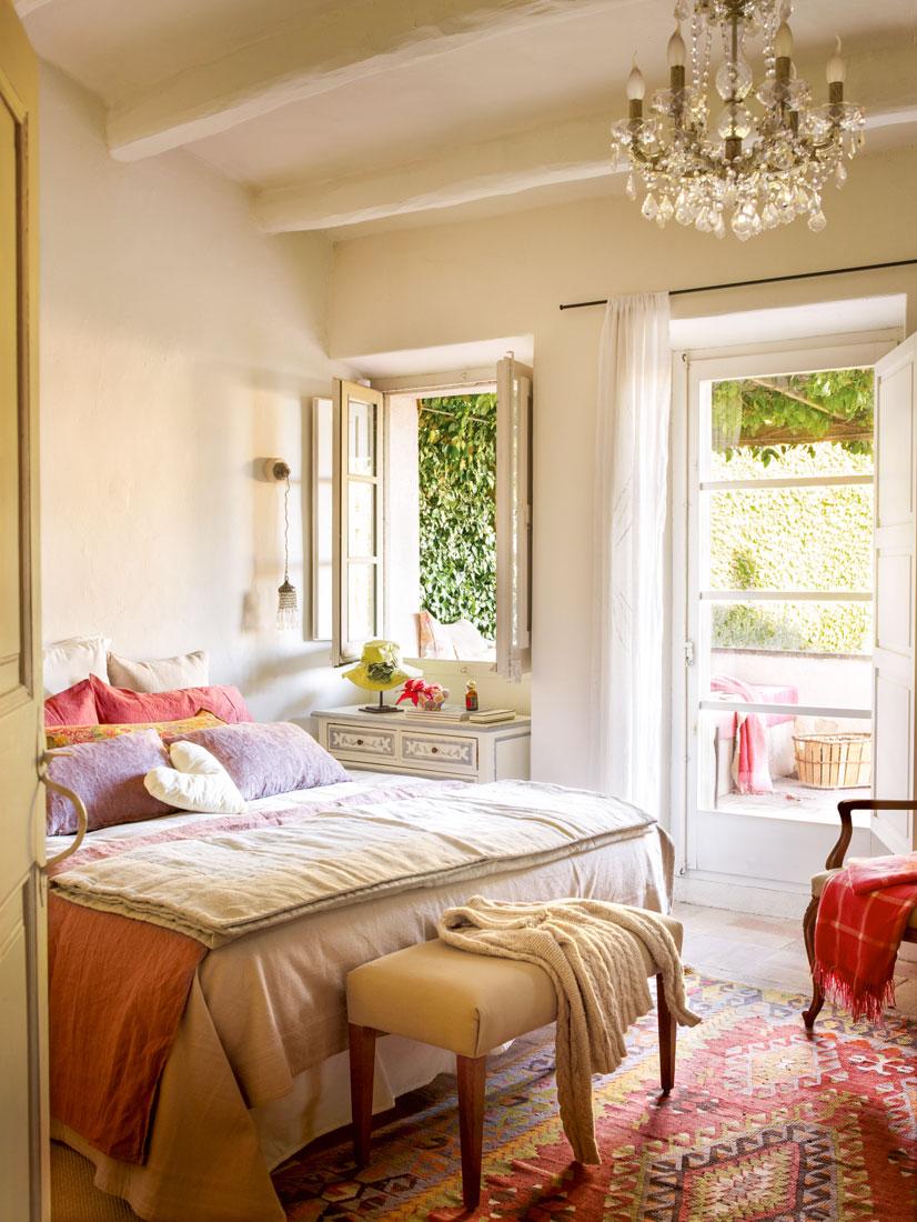 Kilims las alfombras orientales m s buscadas - Lamparas de techo dormitorio ...