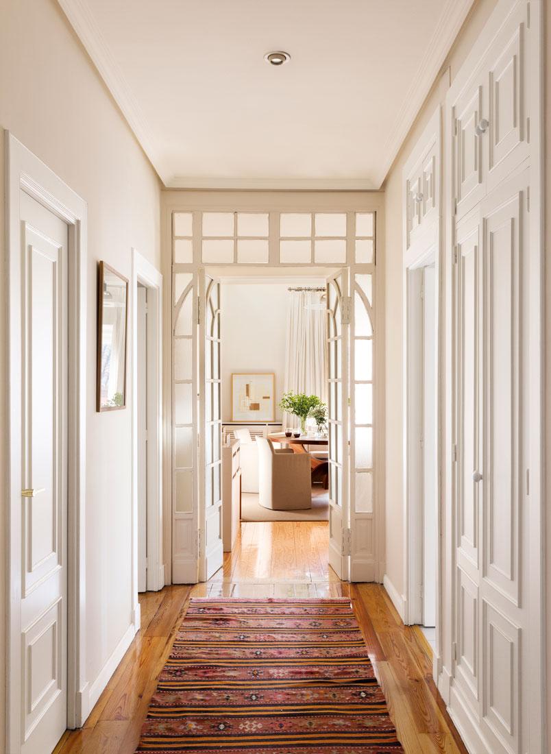 209 fotos de pasillos - Decoracion puertas blancas ...