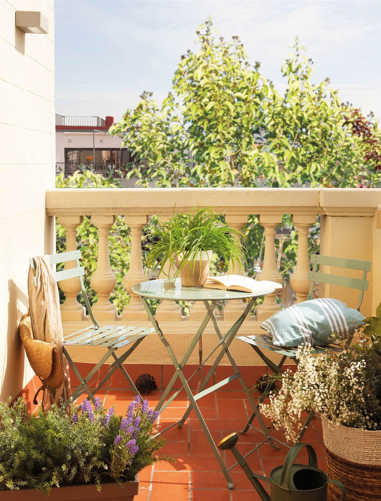 Terrazas muebles mesas e ideas para tu terraza el mueble for Mesas y sillas para terraza