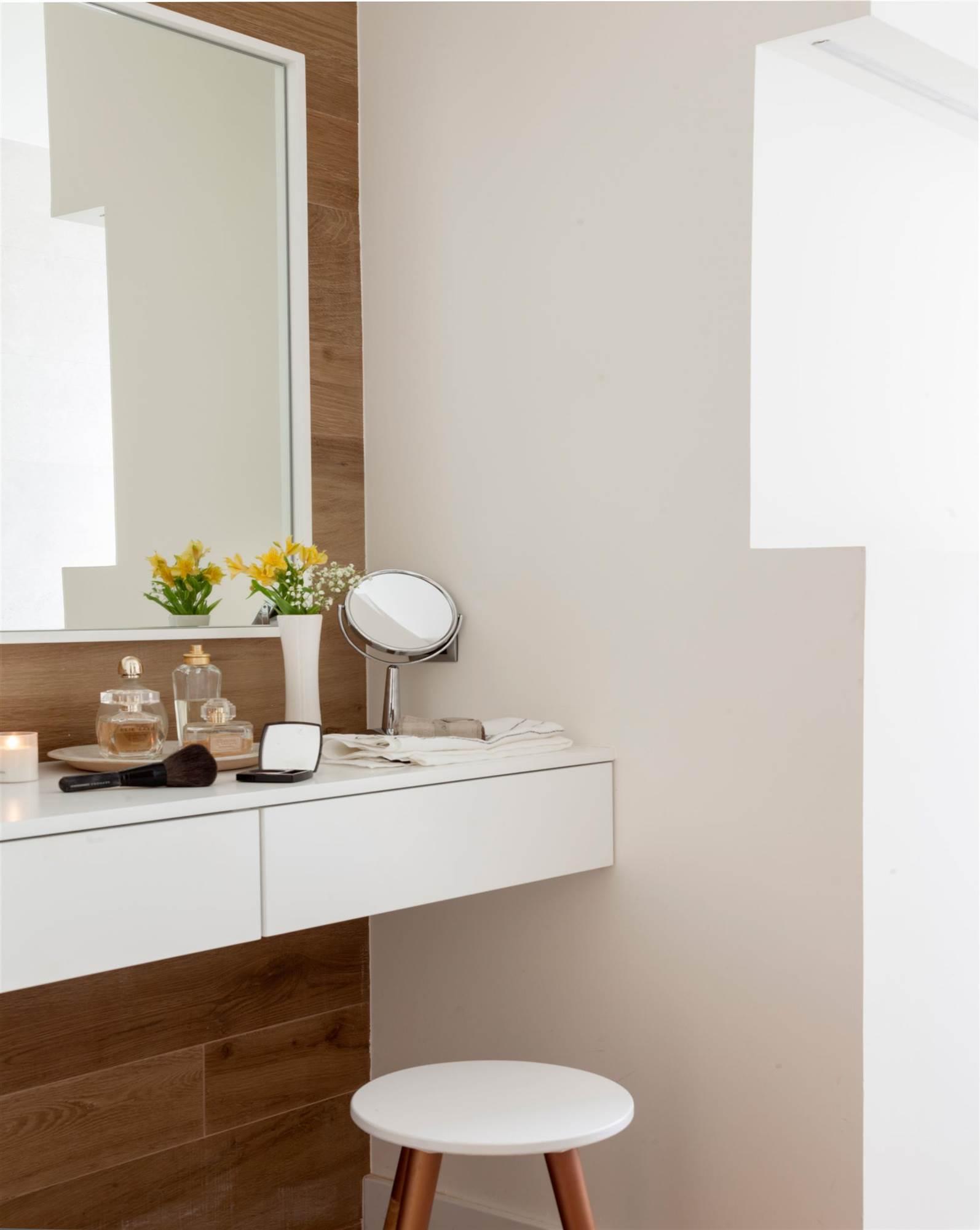 Lavamanos antiguo con espejo lavabo antiguo foto de stock - Espejos para lavabos ...