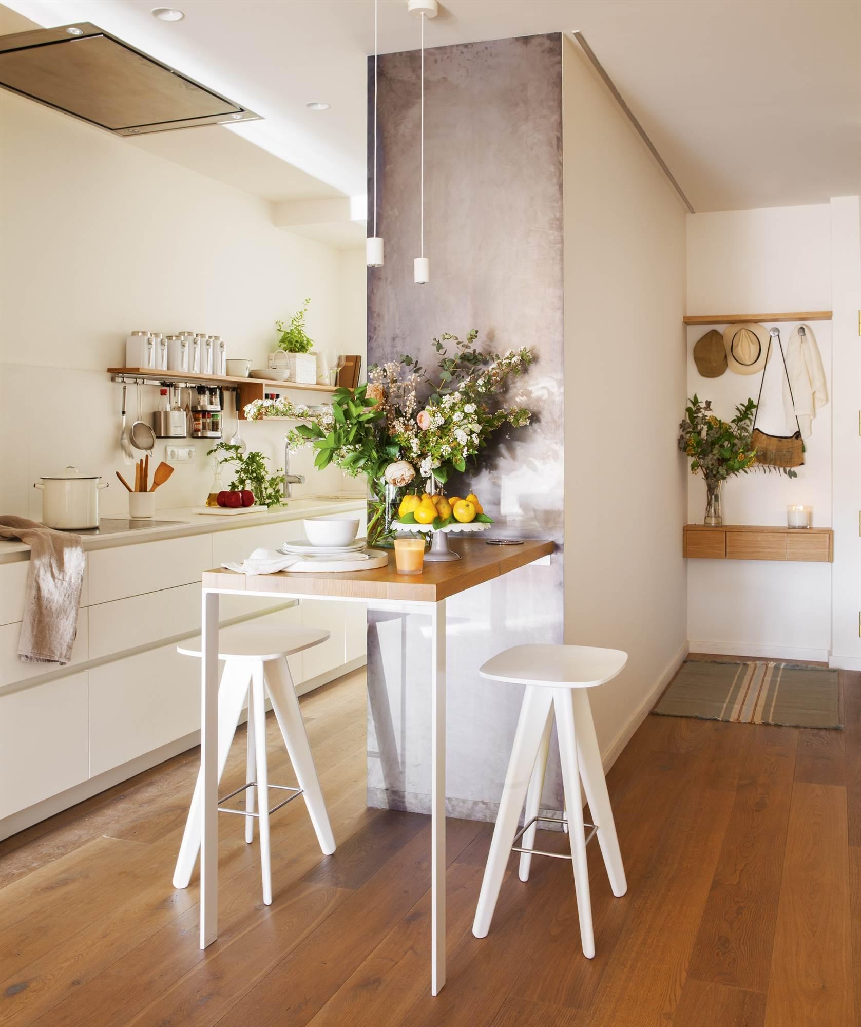 Ideas para aprovechar los espacios peque os for Cocinas en espacios reducidos fotos