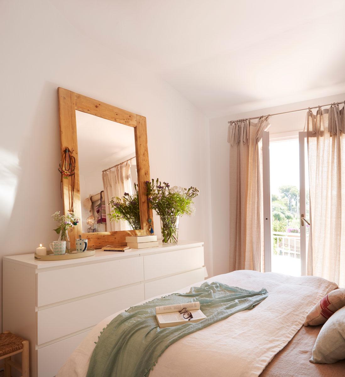 Orden en el dormitorio for Donde colocar espejos en el dormitorio